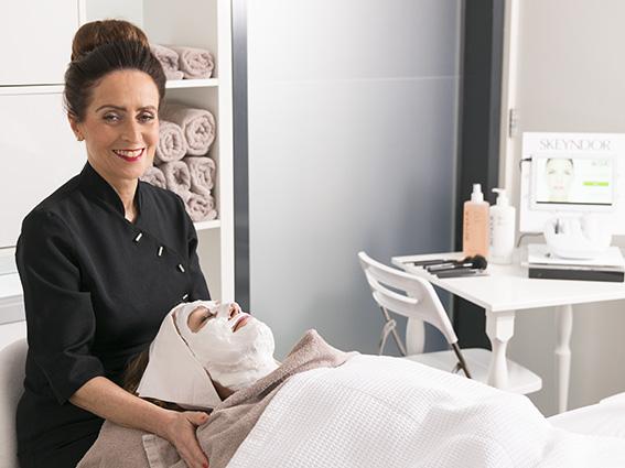 Ontspannende schoonheidsbehandeling in de schoonheidsspecialiste praktijk en beautysalon Beauty Betty Delft