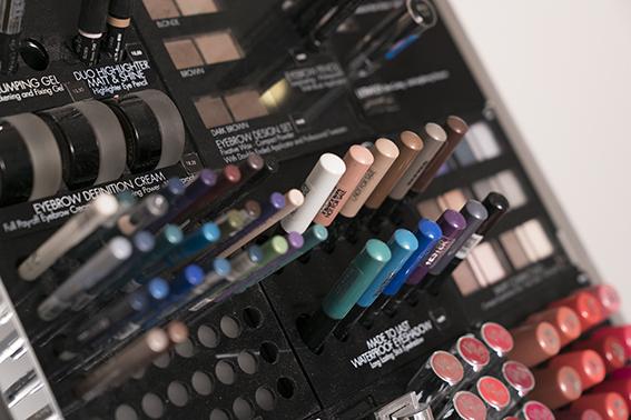 Schoonheidsspecialiste Beauty Betty make-up Pupa Milano sprekende kleuren met veel pigment