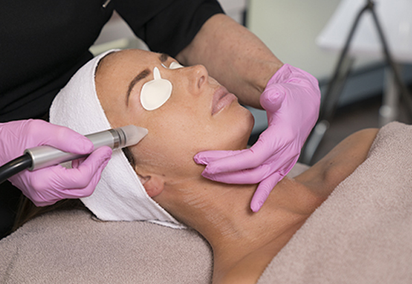 Acne treatment bij schoonheidsspecialiste beautysalon Beauty Betty Delft
